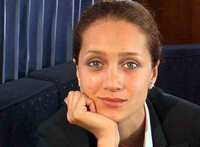 Актриса Виктория Исакова - личная жизнь, муж, дети (фото)